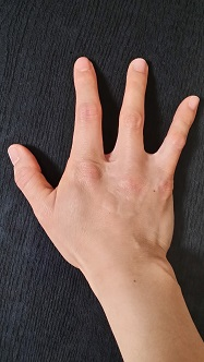 私の右手(^^)